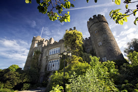 Malahide Castle and Howth Tour